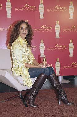 Rosario Flores presenta su primera fragancia