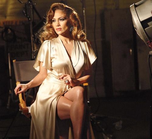 Jennifer López derrocha sensualidad en la campaña de su nuevo perfume