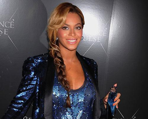Beyoncé brilla en la presentación de su nuevo aroma
