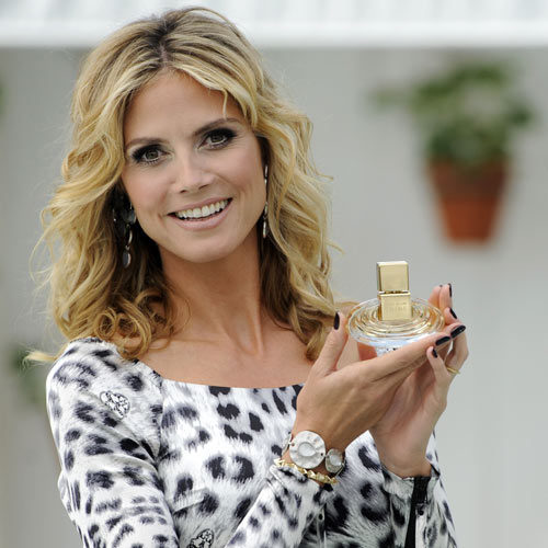 Heidi Klum ya brilla con su primer perfume