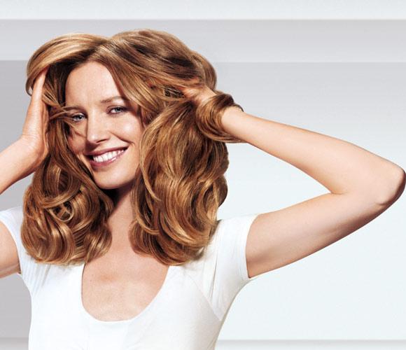 El truco del día: cómo domar el pelo encrespado