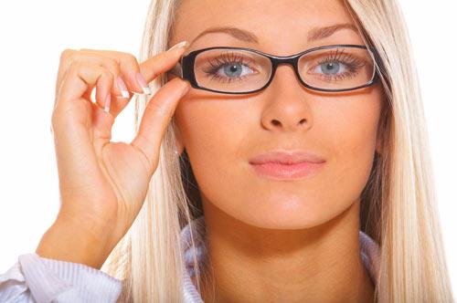 'Y si llevo gafas, ¿cómo saco partido a mi mirada?'