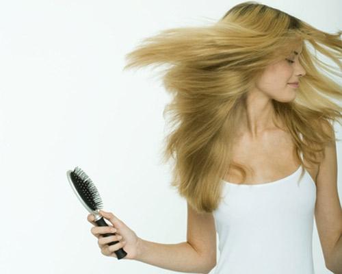 ¿Sabías que podemos perder hasta 100 cabellos todos los días?