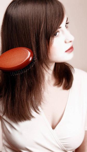 ¿Le das al cepillado de tu cabello la importancia que tiene?