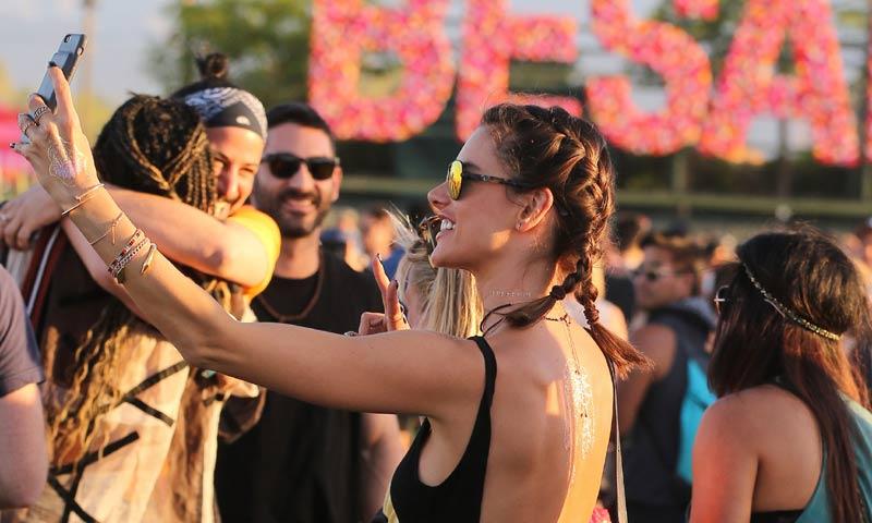 Trenzas y más trenzas al más puro estilo Coachella