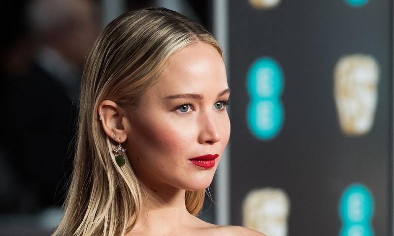 Jennifer Lawrence tiene el maquillaje de noche que te servirá para el día