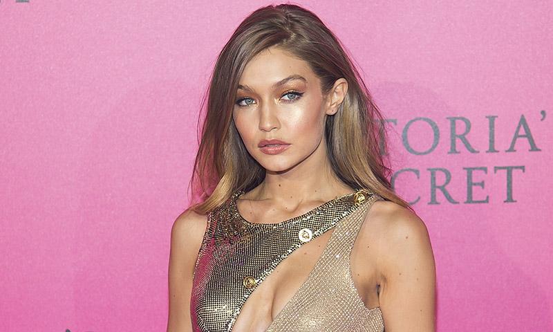 Gigi Hadid y la prueba con la que sabrás si te favorece el maquillaje dorado