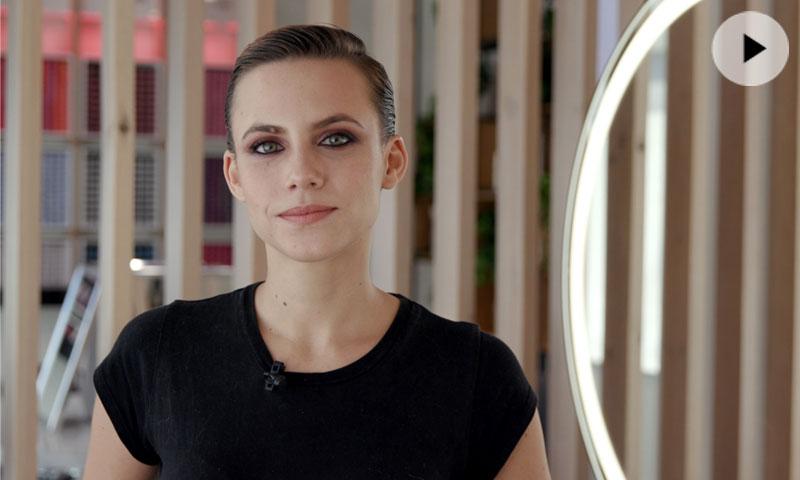 Aura Garrido para HOLA.com: la actriz convierte el pelo corto en el peinado más versátil