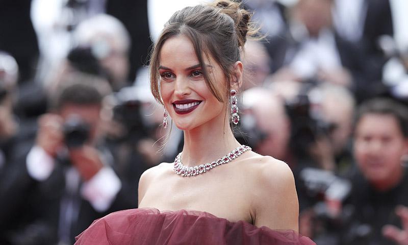 Si no eres una experta, elige el maquillaje de noche preferido de francesas y brasileñas
