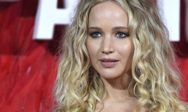 Copia el maquillaje natural de Jennifer Lawrence que podrás llevar al trabajo o a una boda
