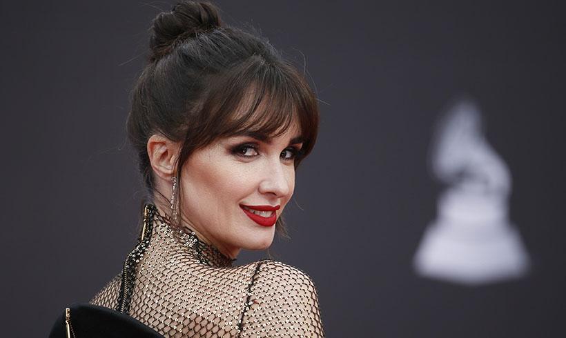 Las 'celebrities' se rinden ante el moño de fiesta que más estiliza el cuello