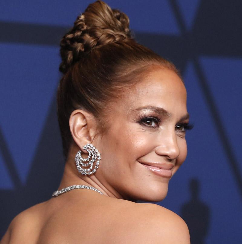 Jennifer Lopez piel luminosa
