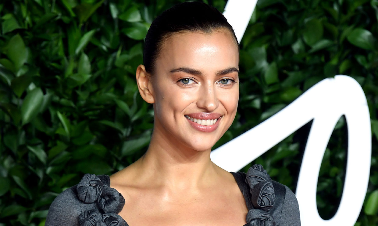 De las ondas de Julia Roberts al 'no make up' de Irina Shayk: las tendencias de belleza de los Fashion Awards