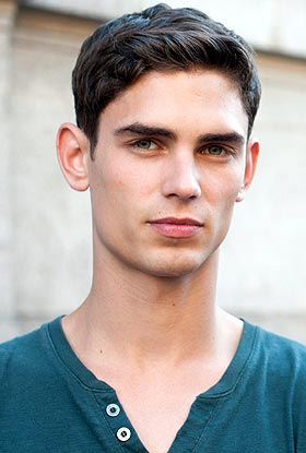 The 28-year old son of father (?) and mother(?), 182 cm tall Arthur Gosse in 2017 photo