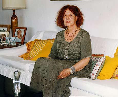 http://www.hola.com/imagenes/biografias/cayetana-de-alba/81043-caye11.jpg