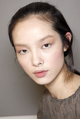 Photo of the beautiful happy  Fei Fei Sun from Weifang, Shandong, China without makeup