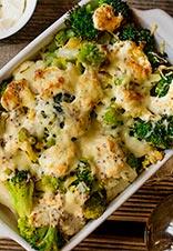 Coliflor, brócoli y romanescu gratinados