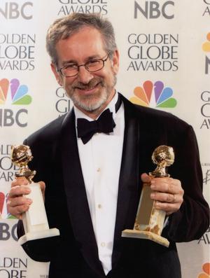 Steven Spielberg recibió la medalla que le convierte en Caballero del Imperio Británico
