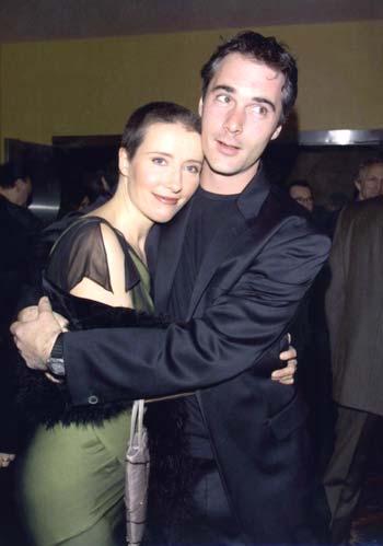 Keanu Reeves y Charlize Theron en el estreno de su película 'Sweet november'