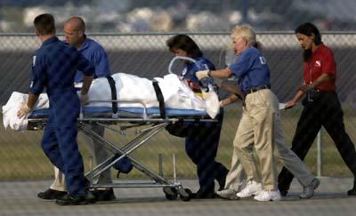 Jason Priestley abandona el hospital tras su grave accidente