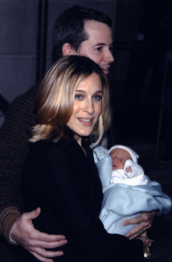 Sarah Jessica Parker y Matthew Broderick presentan a su hijo