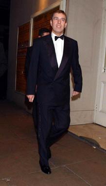 Una gran fiesta benéfica celebra el nombramiento de Kevin Spacey como director del teatro 'Old Vic' (CON VÍDEO)