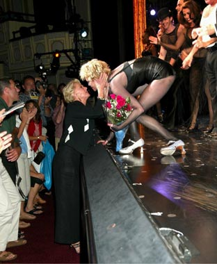 Antonio y Stella del Carmen acudieron a ver a Melanie, que representa el musical 'Chicago' en Broadway