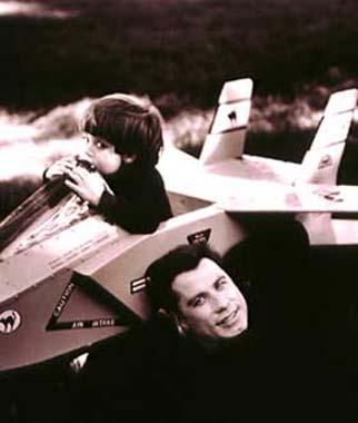 John Travolta llegará a las estrellas de la mano de la NASA