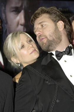 Russell Crowe y Danielle Spencer han sido padres de un niño