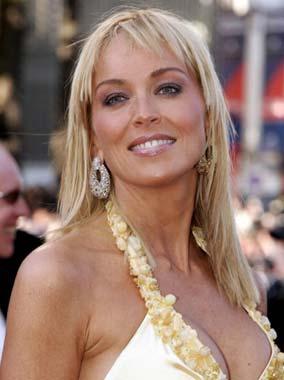 Sharon Stone, en Cannes horas después de ser madre de nuevo