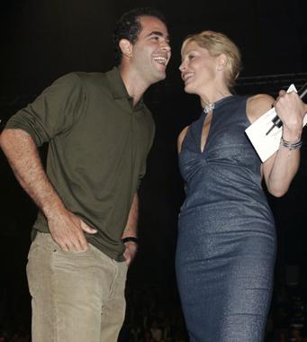Sharon Stone y Jennifer López estrellas en una subasta benéfica