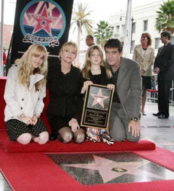 Antonio Banderas entra en la historia del Paseo de la Fama de Hollywood
