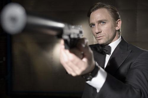 Primera imagen de Daniel Craig como el nuevo James Bond