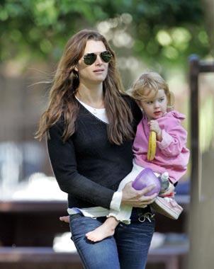 Brooke Shields confirma que espera una niña