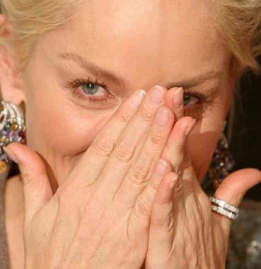 Sharon Stone, sonrisas y lágrimas en España
