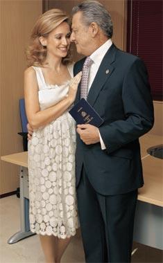 ¡Hola! publica en exclusiva la boda de Carlos Larrañaga y Ana Escribano
