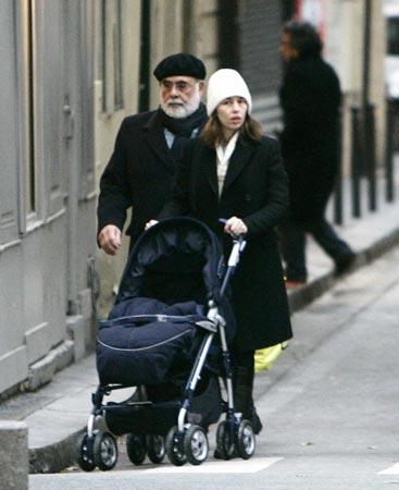 Francis Ford Coppola, un abuelo entusiasmado con su nieta Romy
