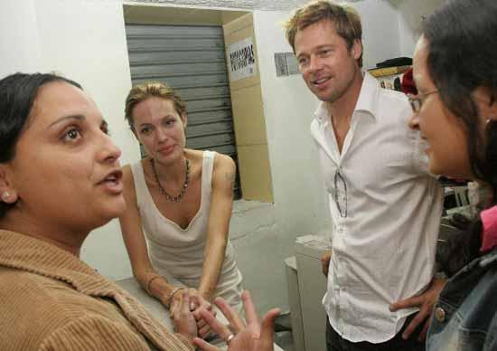 Angelina y Brad, una Navidad diferente en Costa Rica