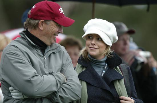 Kevin Costner y su esposa, Christine, esperan su primer hijo