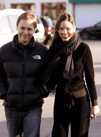 Hilary Swank y su representante, un año de feliz noviazgo
