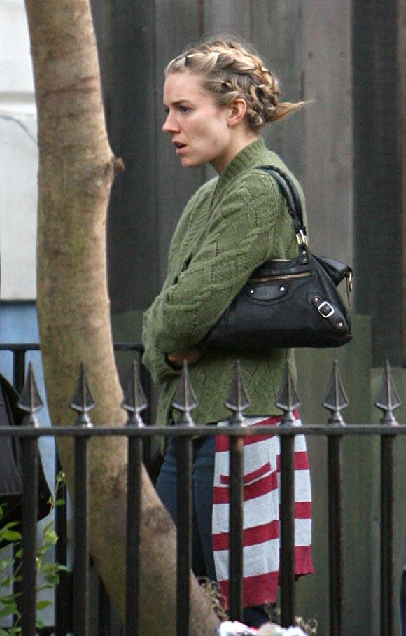 Sienna Miller y su novio, Rhys Ifans, juntos de nuevo en Londres