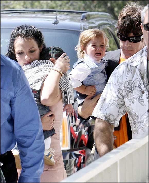 Shiloh Jolie-Pitt y Suri Cruise, los bebés más influyentes de 2007