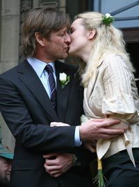 un mes despu233s de cancelar su boda el actor sean bean se