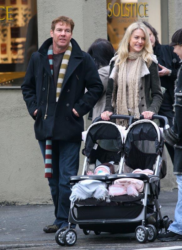 Dennis Quaid muestra en televisión la foto de sus dos hijos mellizos: 'Son fantásticos'