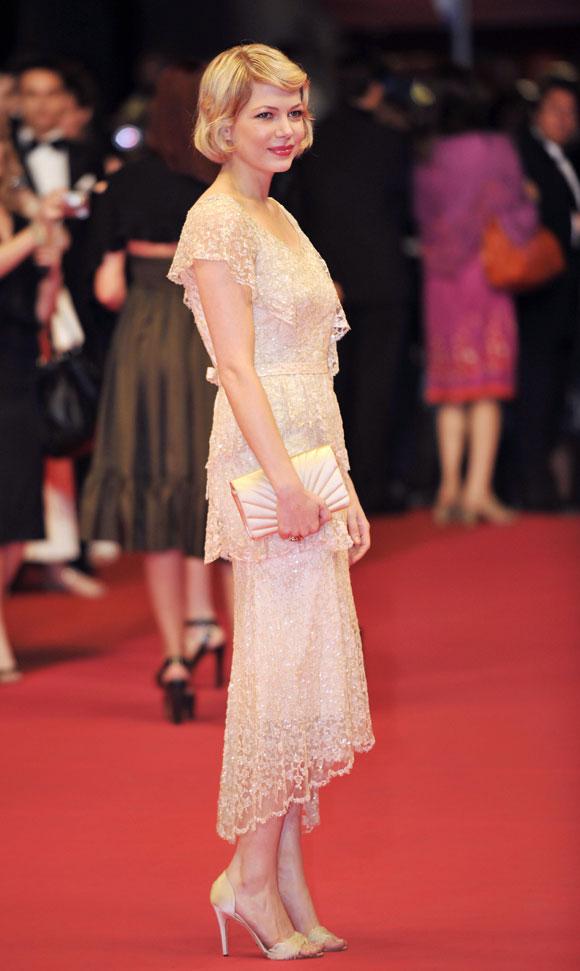 Michelle Williams hace su reaparición en Cannes cuatro meses después de la muerte de Heath Ledger
