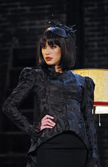 Los cambios de 'look' de Patricia Conde en su debut teatral