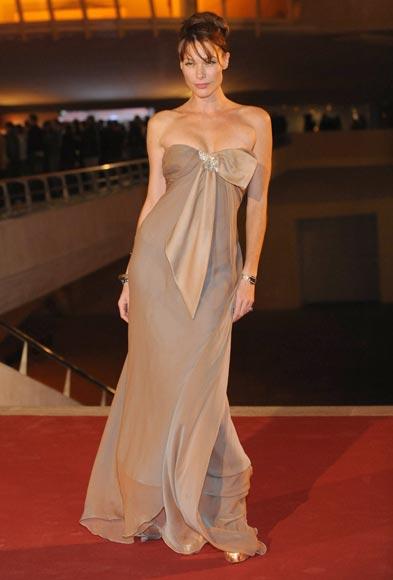 Paloma Lago y Cristina Piaget, 'chicas Bond' en el estreno de 'Quantum of Solace' en España