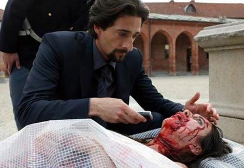 Las imágenes de Elsa Pataky y Adrien Brody en 'Giallo', la película en la que trabajan juntos por primera vez