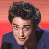 Robert Pattinson, Miley Cyrus y Zac Efron triunfan en los MTV, unos premios aderezados por la chispa de Sacha Baron Cohen