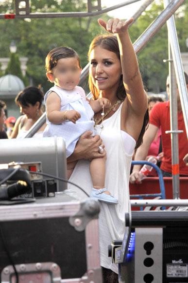 Paula Echevarría y su hija Daniela, las mayores fans de David Bustamante